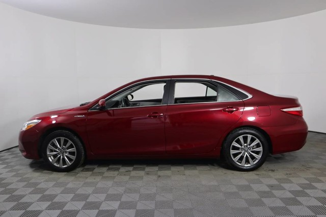 Pre Owned 2017 Toyota Camry Hybrid Xle