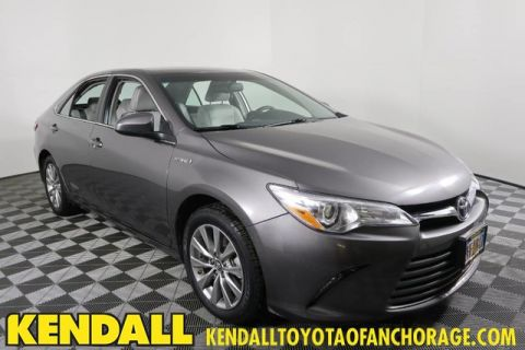 Pre-Owned 2017 Toyota Camry Hybrid XLE